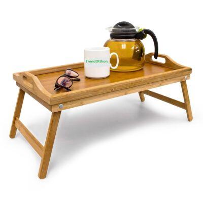 Bambuszból készült ágytálca natúr színben rajta teáskannával és csészével