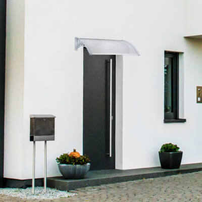 120 x 80 cm polikarbonát előtető esőfogó postaláda mellett fehér falra felfúrva